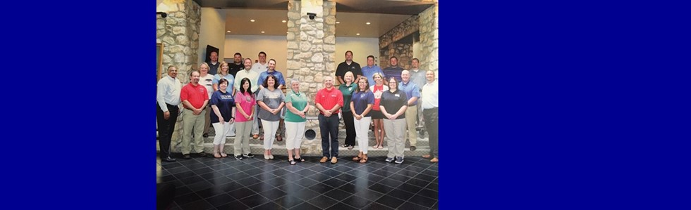 Mrs. Akers participated in Leadership Institute for School Principals through the Kentucky Chamber of Commerce.   Thank you to Maker's Mark for the sponsorship! #bulldogsloveMrsAkers #glasscockelementary