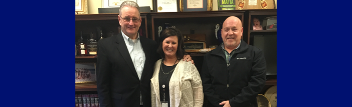 Family Resource Youth Service Center Directors Mrs. Amy Newton and Mr. Van Gadberry traveled to Frankfort to meet with Senator Higdon to discuss his continual support of FRYSC's.  Thank you Senator Higdon!